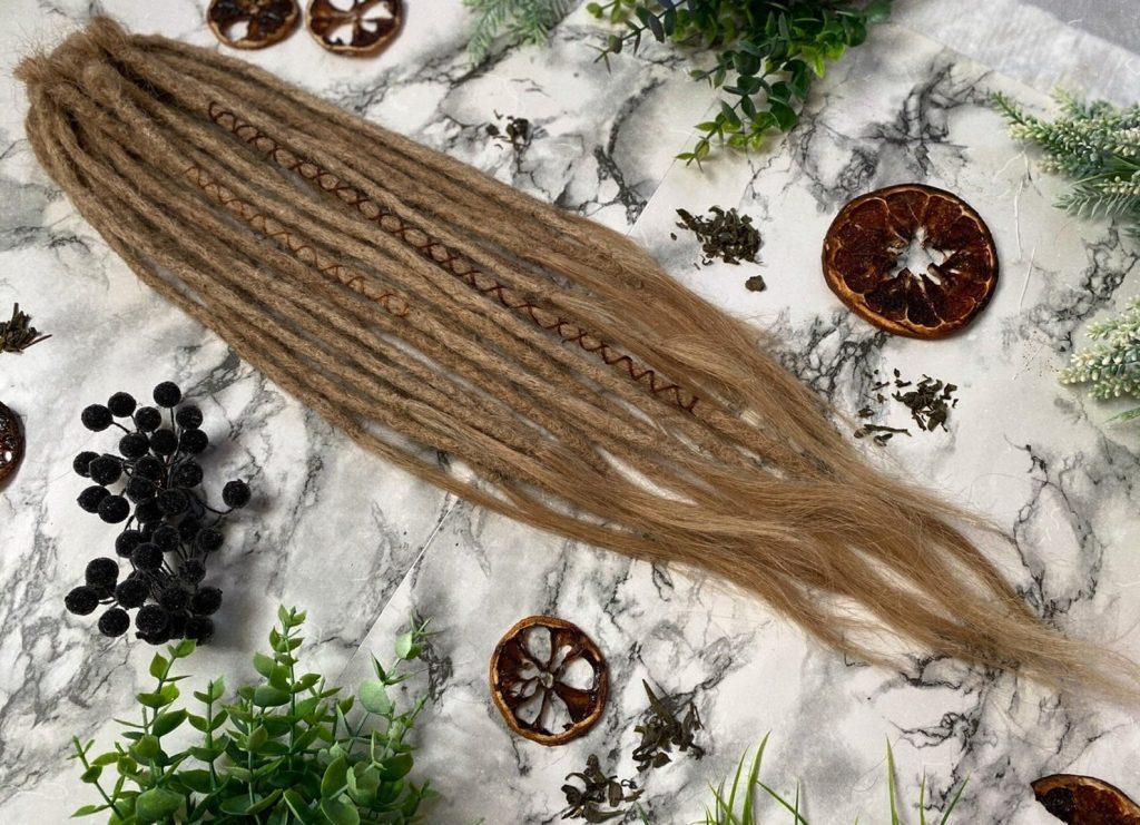 """Prodotti: extensions e """"cyberdreads"""" - dreadlocks di capelli umani"""